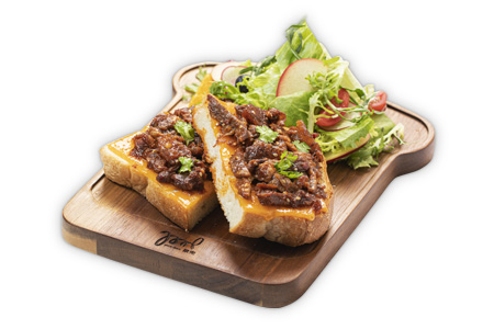 crispy-butter-sandwich-with-stewed-beef